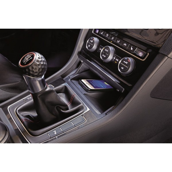 chargeur induction vw golf vii autoradio center. Black Bedroom Furniture Sets. Home Design Ideas