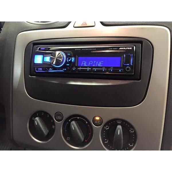 Cache autoradio Ford de couleur noir
