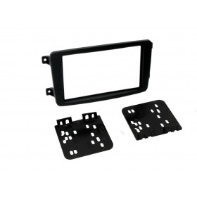 Kit double din type Mercedes C W203